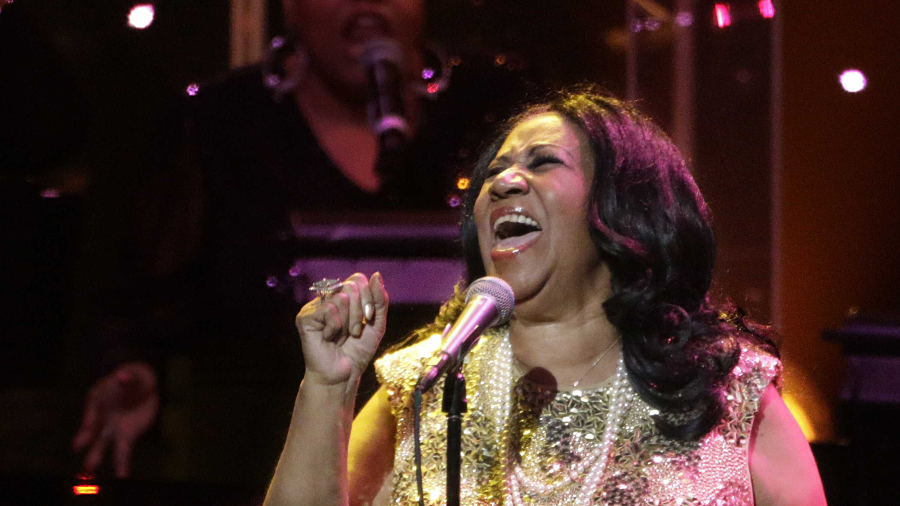 'Queen of Soul,' Aretha Franklin, dies at age 76 by Victor Chiles & Zila Sanchez