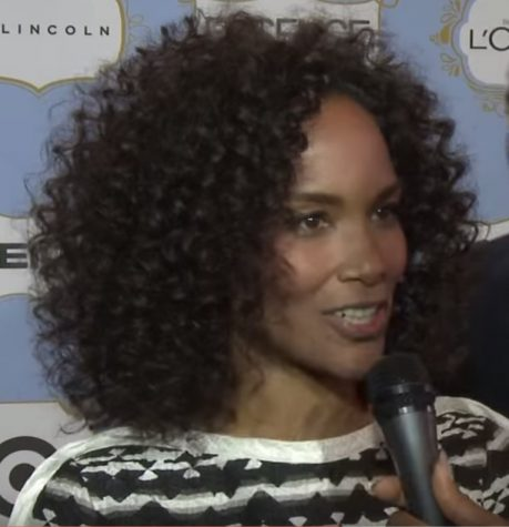 Mara Brock Akil lands Netflix deal