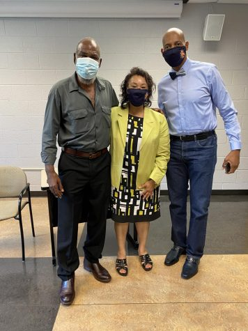David Robinson (left) takes a picture with Gail Wiggins (center) and Dr. Robbie Morganfield (right).